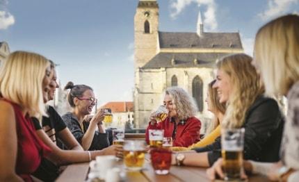 Aan het bier in Pilsen, Tsjechië