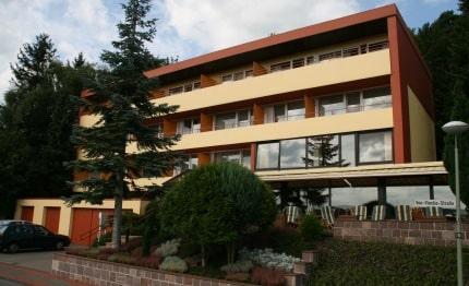 Voorkant Hotel Waldcafé Jäger